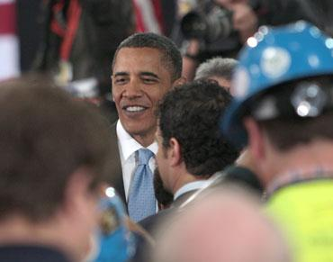 A worker at Solyndra, the Fremont solar company that President Barack Obama visited in 2010, is seeking class action status on behalf of 1,100 employees who were terminated without notice or severance on Wednesday when the company shut the plant.
