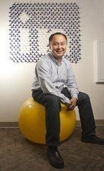 <strong>Simon</strong> <strong>Zhang</strong> left medicine to conquer big data