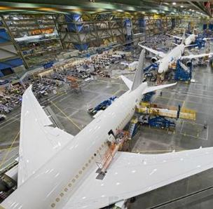 Boeing says it expects global financing for the jet manufacturing industry to reach $100 billion in 2013.