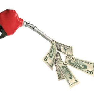 Austin gas prices continued its downward trend over the past week.
