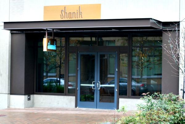 Shanik, in Seattle's South Lake Union area, is the sibling restaurant of highly acclaimed Vij's restaurant in Vancouver, British Columbia.