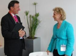 Gov. Chris Gregoire with Dassault Systèmes' CEO Bernard Charlès at the 2011 Paris Air Show (Dassault Systèmes photo)