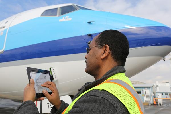 Boeing now has an app to help technicians maintain airplanes.