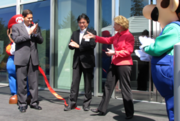 Gregoire at Nintendo of America's new headquarters with NOA President Reggie Fils-Aime (left) and Nintendo Co. President Satoru Iwata (center).