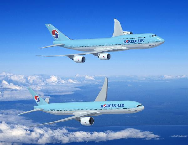 Korean Air finalized a deal for 12 Boeing airplanes worth $3.9 billion at list prices.