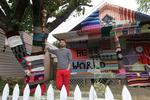 Colorful 'yarn-bombed' house captures attention on Capitol Hill