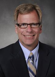 Eric Lindblad has become the new 747-8 program head, replacing the promoted Elizabeth Lund.