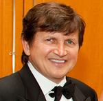 Former Microsoft chief <strong>Simonyi</strong> backs $100M grant to Princeton institute
