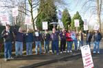 Machinists picket Hytek Finishes in labor dispute