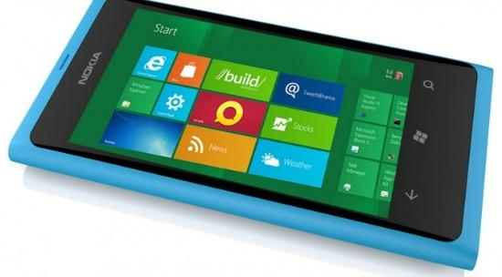 Verizon may begin selling a Nokia phone that uses Microsoft's Windows 8 technology.