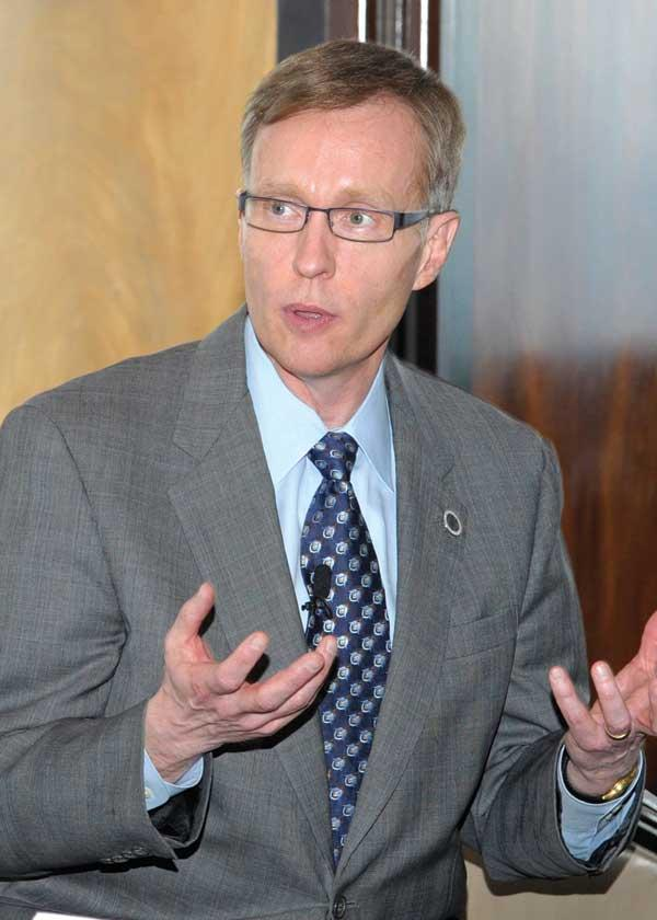 """Gubernatorial candidate Rob McKenna explains his vision for job creation, education funding and other issues during a private meeting with NW Next, an association of past Puget Sound Business Journal """"40 Under 40"""" honorees."""