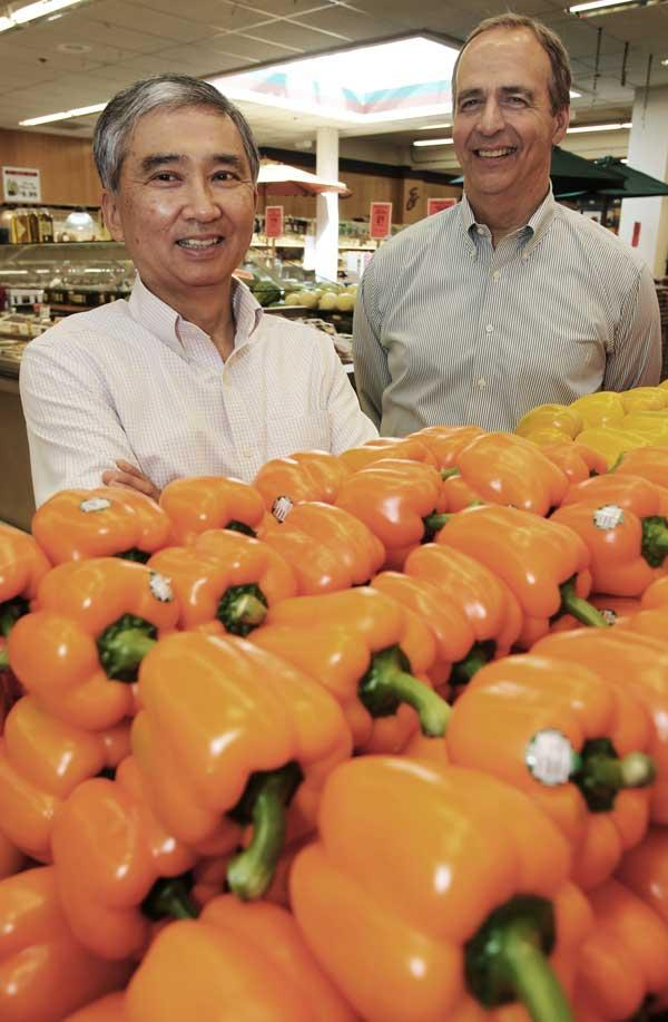 Town & Country Markets Chairman Larry Nakata (left) and CEO Bill Weymer run the supermarket chain.