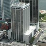 Sources: Crocker buys SunTrust International Tower