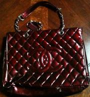 A red Chanel purse that belonged to Kim Rothstein.