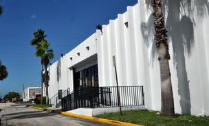 This Fort Lauderdale industrial building fell into foreclosure after former tenant Syms went out of business.