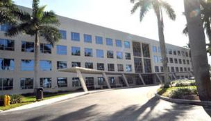 Oakland Park office building