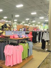 Golfsmith and other big-box golf retail stores are selling to golfers and non-golfers, who are drawn to some of the more stylish clothing.