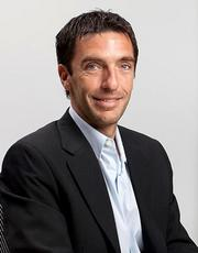 Visa hired Adrian Farina as director of marketing for Latin America and the Caribbean.