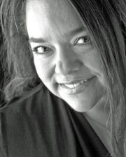 Justine Hoo joined Bright Transitions/Bright Start Movers as owner and certified senior move manager.