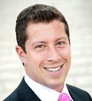 Derek Schofield joined Wells Fargo Bank as VP.