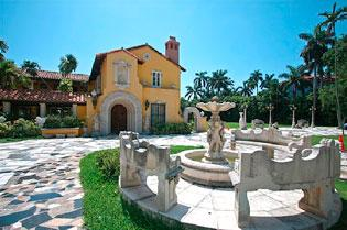 Miami Beach's Star Island is the type of location that is attracting international buyers.