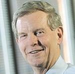 Enterprise Financial CEO Benoist's pay rose 24 percent in 2011