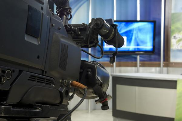 Gannett reported a 6.5 percent drop in net income.