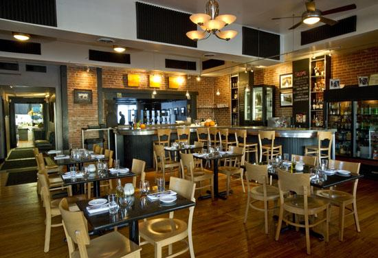 Acero, located in Maplewood, offers a wide selection of Italian food. Chef Adam Gnau runs the kitchen, andJim Fiala is the owner.