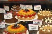 European pastry chef Katrina Meredith creates these desserts.