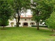 Address: 1108 Hillside Dr. St Louis, MO 63117 Price: $3.9 million Features: 7 bed, 10 bath | 9,486 square feet | 1.25 acre lot