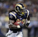 St. Louis Rams keep social media off the sidelines