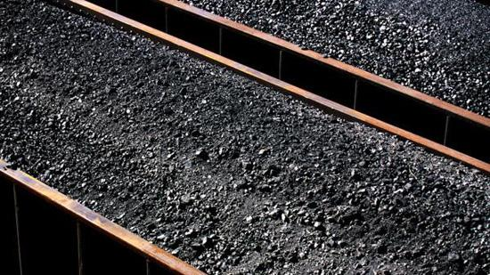 Peabody Energy Corp. said it will permanently close the Willow Lake Mine near Harrisburg, Ill., impacting about 400 workers.