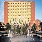 Power outage briefly darkens Clayton, Ritz-Carlton hotel