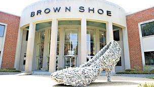 Brown Shoe tests new store concept
