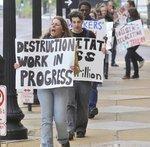 Protesters target Ameren shareholders' meeting