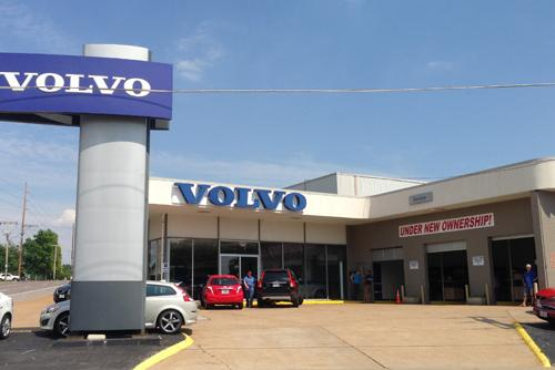 Dean Team Volvo >> Following Declining Sales Weiss Sells Volvo Dealership To