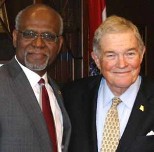 St. Louis County Executive Charlie Dooley, left, and former U.S. Sen. Kit Bond at Wednesday's announcement of a planned December trade mission to China.