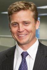 Scottrade promotes Dennison to CFO, hires head of brokerage