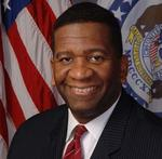<strong>Simmons</strong> resigns from Mo. commissioner role