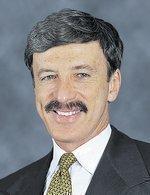 Kroenke emerges late to become Rams' majority owner