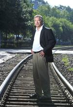 Railroad company <strong>Gross</strong> & Janes ties up more business