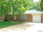 Affton 8443 Hampstead Drive, St. Louis, Mo. 63123 $122,500 2 bed, 1 bath 938 square feet