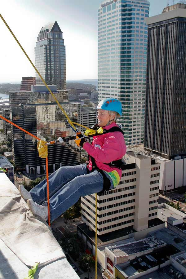 TBBJ Photographer Kathleen Cabble goes off the side of the Franklin Exchange building.