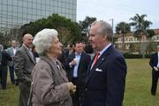 Margaret Vizzi, chair of the Westshore Residential Neighborhood Improvement Committee, with Tampa Mayor Bob Buckhorn.