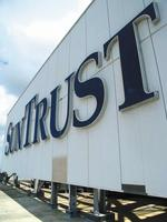 SunTrust, MetLife strike deal
