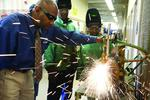 Night shift: Manufacturers spur wee-hour welding classes