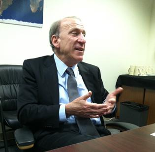Blair Levin is a former chief of staff to FCC Chairman Reed Hundt.