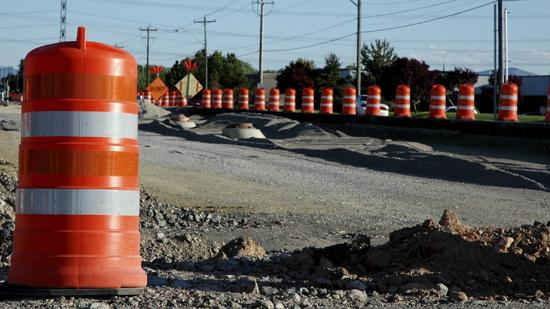 The Ohio Department of Transportation plans to have a public meeting on the Interstate 70/71 split despite pushing back the construction timetable to 2025.