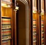 Report: Job market for lawyers remains tight