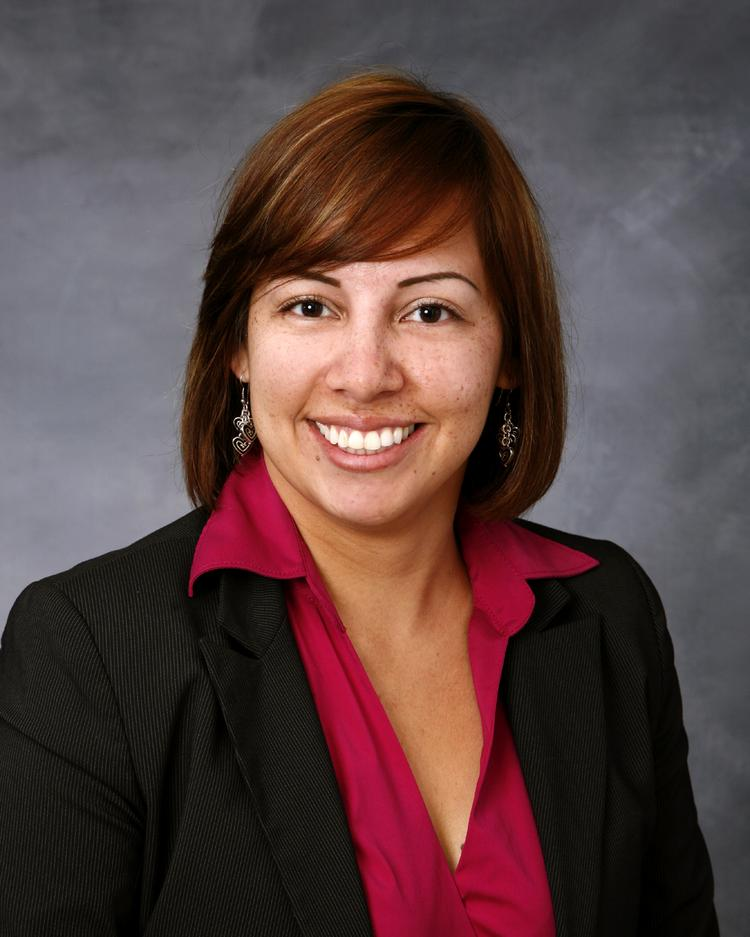 M/I Homes hired Reyna Estrada as an Internet sales consultant.